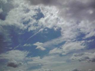 薄い雲と厚い雲.jpg